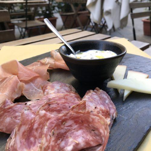 Tagliere di affettati e formaggi vitium pistoia